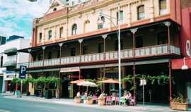 Plaza Hotel - Redcliffe Tourism