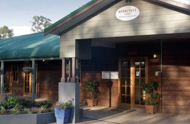 Hermitage Lodge - Redcliffe Tourism