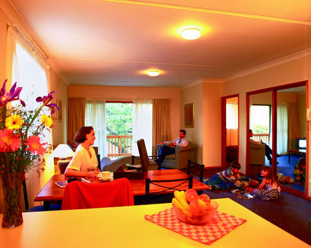 Oxley Court Serviced Apartments - Redcliffe Tourism