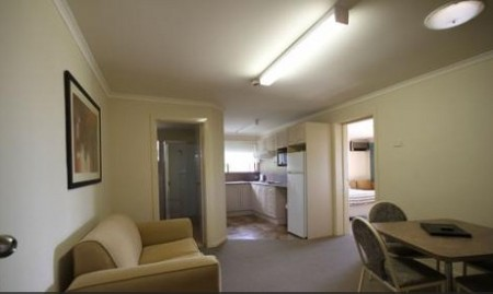 Araluen Motor Lodge - Redcliffe Tourism