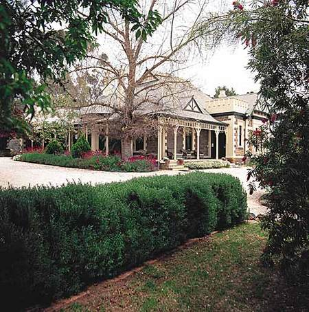The Lodge Country House - Redcliffe Tourism