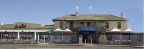 Barwon Heads Hotel - Redcliffe Tourism