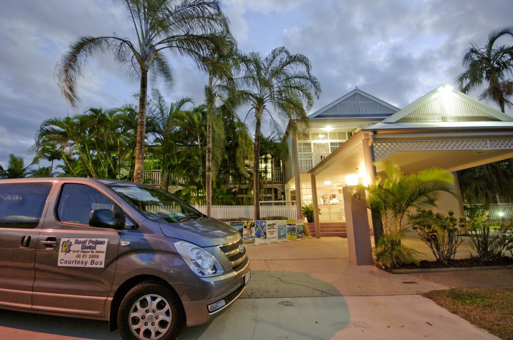 Reef Palms - Redcliffe Tourism