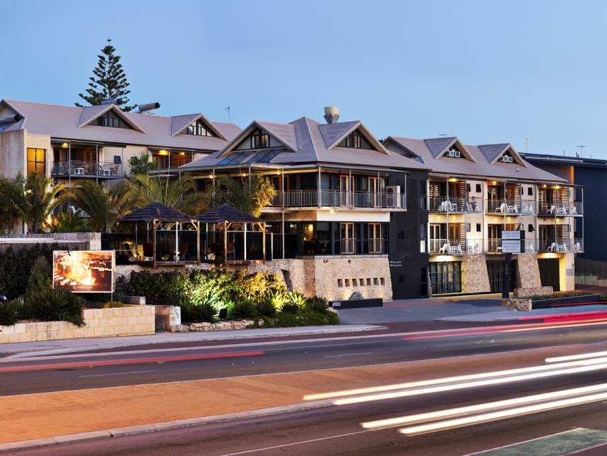 Sunmoon Boutique Resort - Redcliffe Tourism