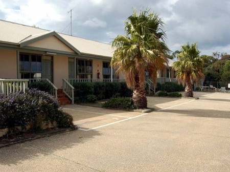 Lightkeepers Inn Motel - Redcliffe Tourism