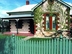 Naracoorte Cottages - Smith Street Villa - Redcliffe Tourism