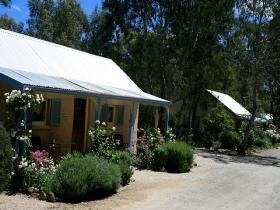 Riesling Trail Cottages - Redcliffe Tourism