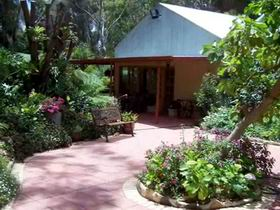 Rainforest Retreat - Redcliffe Tourism