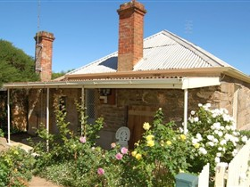 Blyth Cottage - Redcliffe Tourism