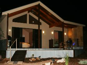 Pike River Luxury Villas - Redcliffe Tourism