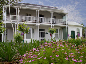 Willunga House - Redcliffe Tourism