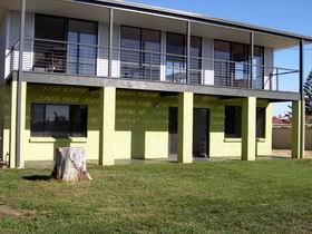 Sea Lime Beach House - Redcliffe Tourism