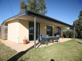 Toolunka Estate Cottage - Redcliffe Tourism