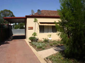 Loxton Smiffy's Bed And Breakfast Sadlier Street - Redcliffe Tourism