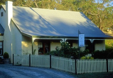 Country Pleasures Bed and Breakfast - Redcliffe Tourism