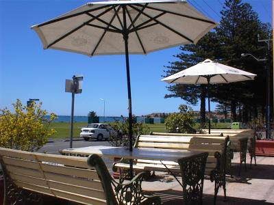 Anchorage at Victor Harbor Seafront Hotel - Redcliffe Tourism