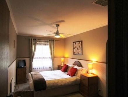 Southern Vales Bed And Breakfast - Redcliffe Tourism
