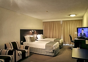 St Ives Hotel - Redcliffe Tourism