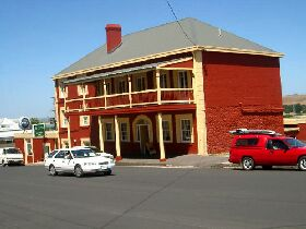 Stanley Hotel - Redcliffe Tourism