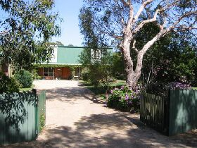 Pelican Bay Bed and Breakfast - Redcliffe Tourism