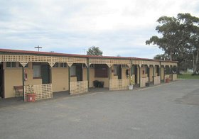 Central Court Motel - Redcliffe Tourism
