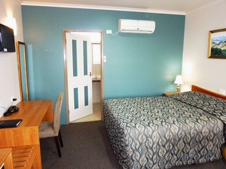 Mountain View Country Inn - Redcliffe Tourism
