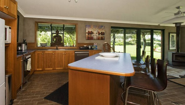 Banksia Garden Retreat - Redcliffe Tourism