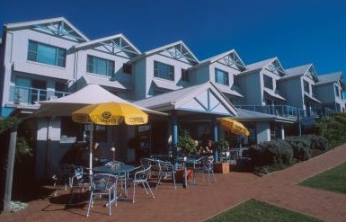 Breakers Apartments Mollymook - Redcliffe Tourism