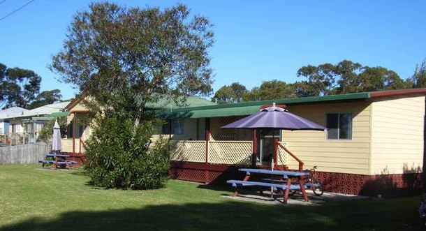 Alonga Cottages - Redcliffe Tourism