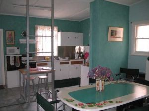 Lavender and Lace Cottage - Redcliffe Tourism