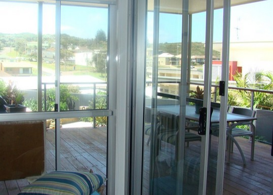 Boat Harbour - Luxury - Redcliffe Tourism