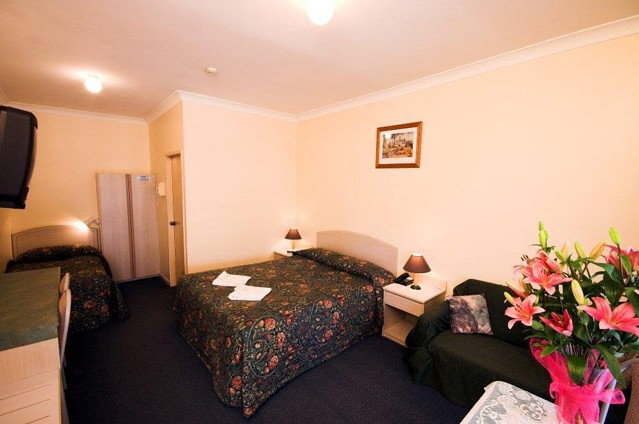 Midlands Motel - Redcliffe Tourism