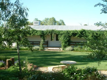 Wilga Park Cottage - Redcliffe Tourism