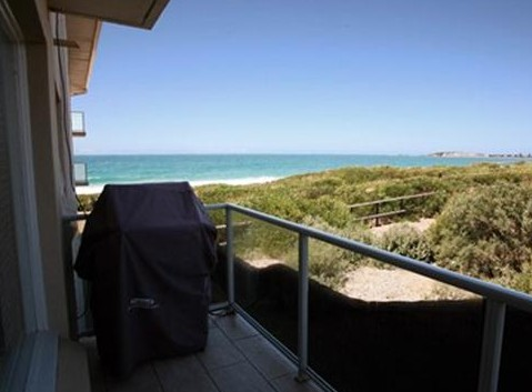 Beachfront Narrabeen - Redcliffe Tourism
