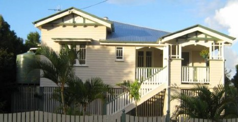 Eco Queenslander Holiday Home and BB