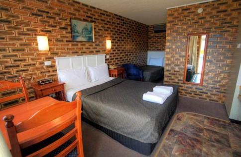 Apple and Grape Motel - Redcliffe Tourism