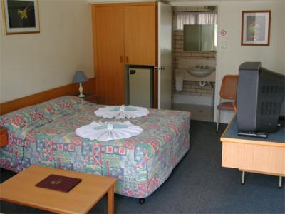 Tropical Gateway Motor Inn - Redcliffe Tourism