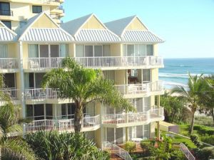 Crystal Beach Resort - Redcliffe Tourism