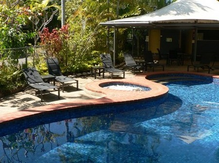 At The Mango Tree Holiday Apartments - Redcliffe Tourism