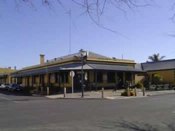 Woolshed Inn Hotel - Redcliffe Tourism