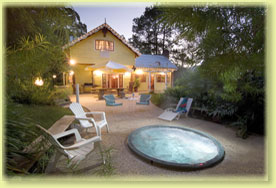 Jacaranda Cottage - Redcliffe Tourism