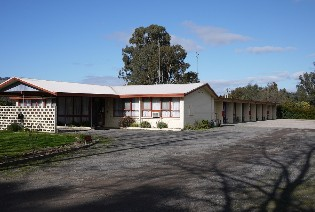 The Castle Creek Motel - Redcliffe Tourism