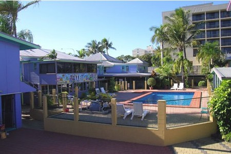Caravella Backpackers Hostel - Redcliffe Tourism