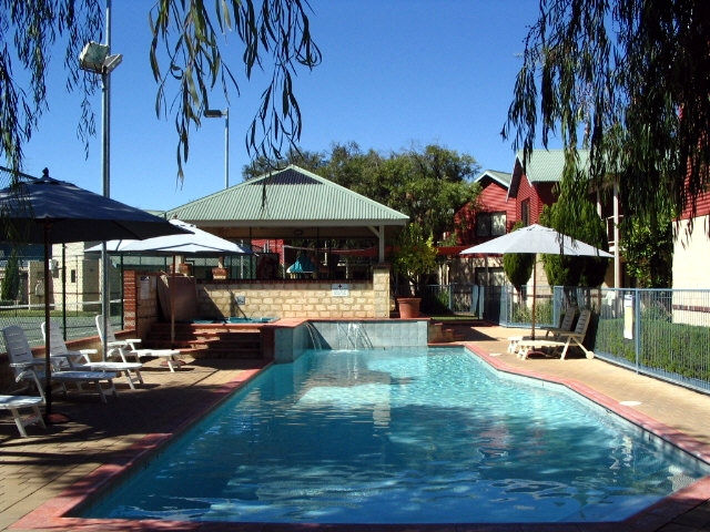 Amalfi Resort - Redcliffe Tourism