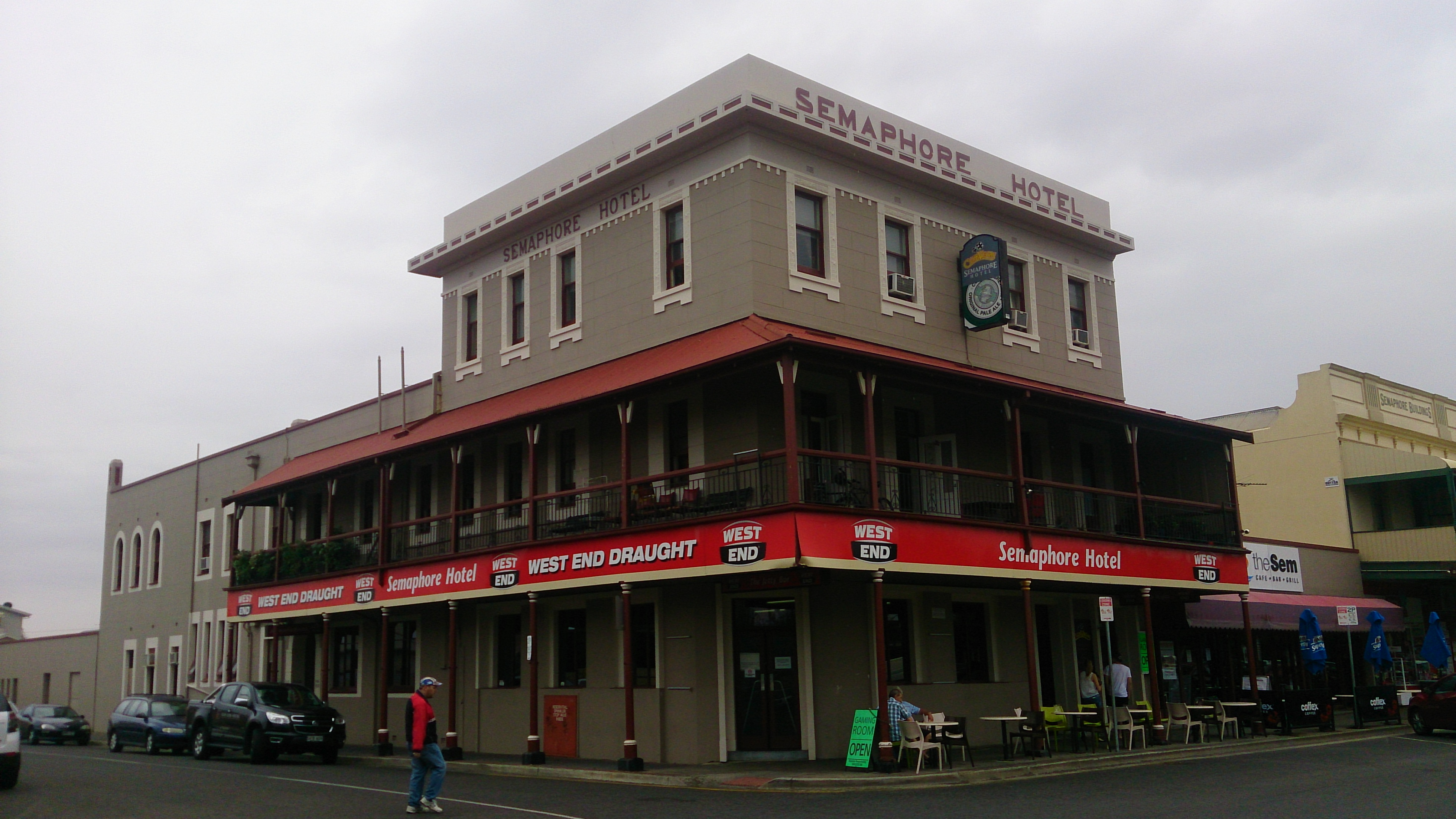 Semaphore Hotel - Redcliffe Tourism