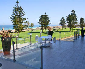Clarion Suites Mullaloo Beach - Redcliffe Tourism