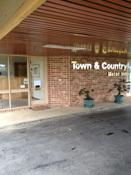 Town amp Country Motor Inn Forbes