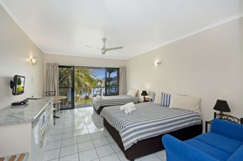 Hinchinbrook Marine Cove Motel - Redcliffe Tourism