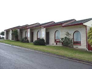 Oyster Court Motel - Redcliffe Tourism