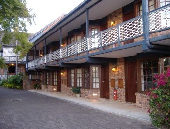 Montville Mountain Inn - Redcliffe Tourism